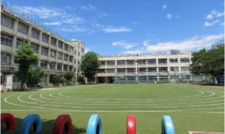 渋谷区立富谷小学校まで360m よ く考える 子 やさ しい子 たくまし い子