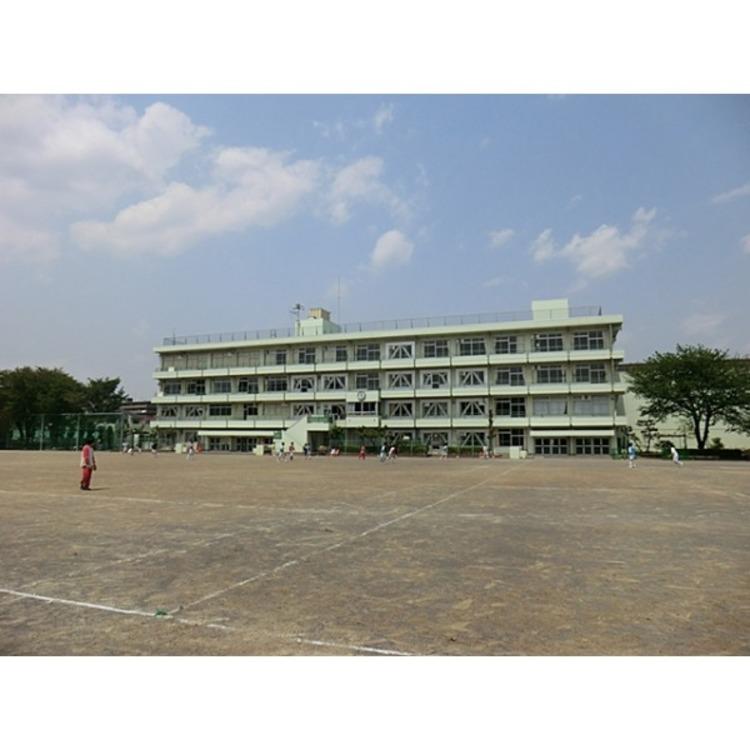 南中学校(約1260m)