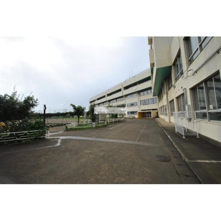 山王小学校(約600m)