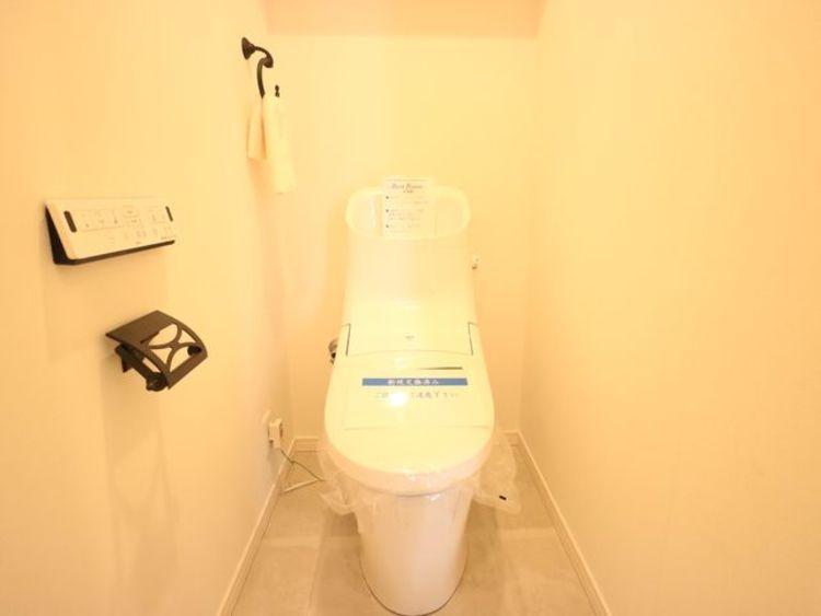 毎日使う場所だからこそ、使い勝手を考慮しました。白を基調に、飽きのこない空間は質感豊かな仕上がりとなっております。