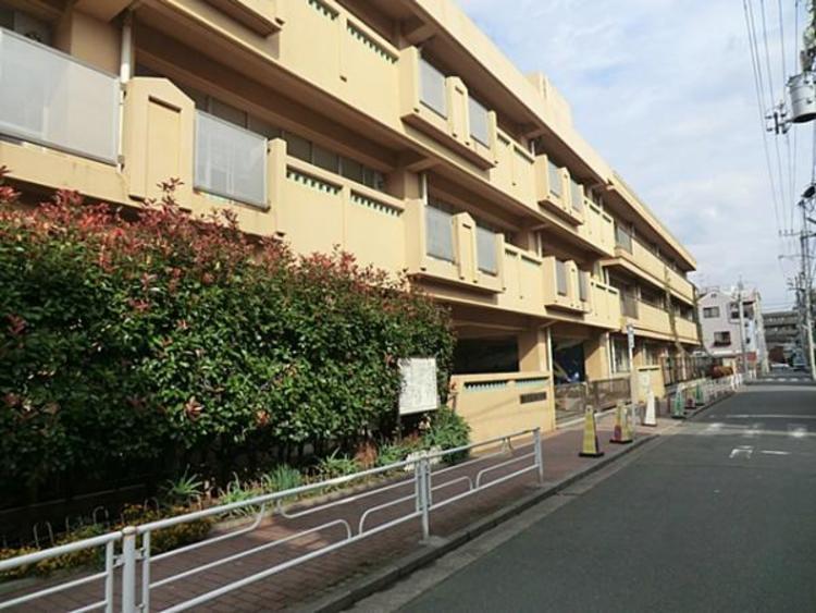 横浜市立末吉小学校 約1300m