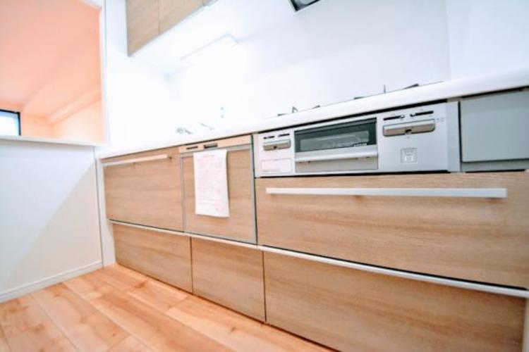 新規交換済システムキッチンには嬉しい食洗機付き