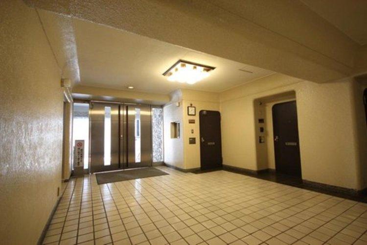 高級感と安心を兼ね備えた空間となっており、このマンションの魅力のひとつです。