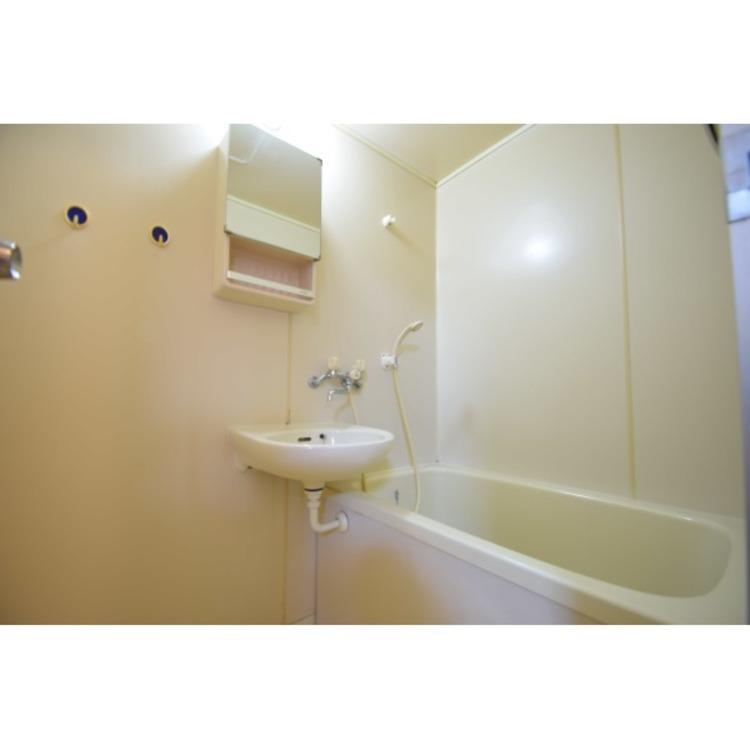 洗面台付浴室です。体を洗うのも洗顔もまとめてこなせてラクラクです。