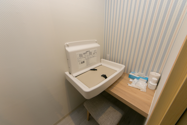 授乳室がついております。 赤ちゃん連れでも安心してご来店ください。