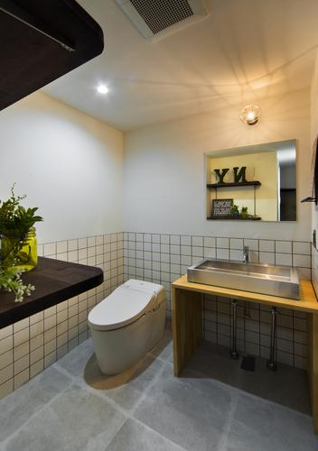 【洗面室リノベーションイメージ画像】 洗面室だけのプチリノベも承ります♪弊社の自慢のデザイン力と提案力で、世界に一つだけのお家を創りましょう♪